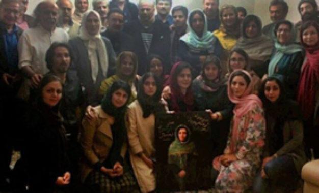 نشست جمعی از کنشگران مدنی و سیاسی در اعتراض به حکم ۱۶ سال زندان برای نرگس محمدی