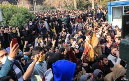 فراخوان چهرههای فرهنگی و سیاسی برای رفراندوم تعیین حکومت آینده ایران