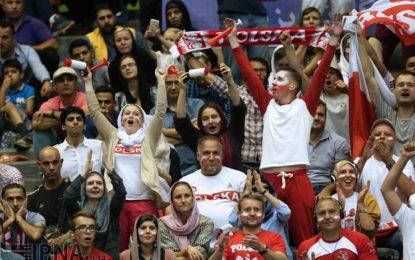داستان تکراری محدودیت حضور زنان در ورزشگاهها / جایی برای زنان نیست